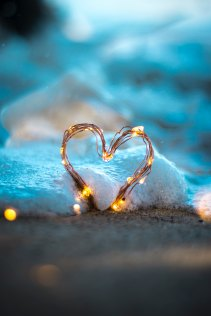 lauradinu.ro - laura dinu - terapeut theta healing - iubire - pace
